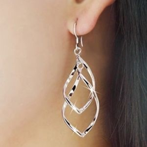 🍒3 for $30✨ Spiral Silver Dangle earrings_NWT
